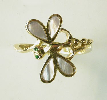 69673 - Dragonfly Mother of Pearl & Emerald Ring in 18ct Gold