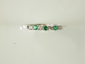 69937 - 18ct White Gold Emerald Diamond set Eternity ring